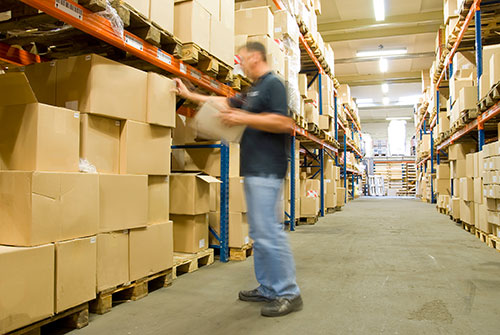 Order picking in a warehouse